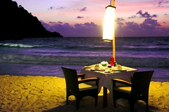 Romantic beach dinner in Seminyak beachfront villas (Holiday Villas) Tags: beachfrontdinner romanticdinner candlelitdinneronbeach