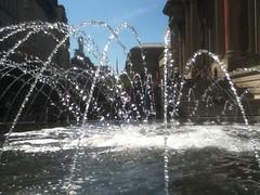 Sparkle in the City (SandraNestle) Tags: water fountains nyc sandranestle cityscape metropolitanmuseumofart fun sparkle momentintime
