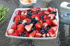 (jenisrunning) Tags: fruit berries strawberries blueberries