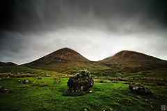 The bosom of nature (the red hills, Isle of Skye) (gregor H) Tags: two green grass rain rock scotland highlands couple isleofskye hiking hills uphill gettyimages darksky torrin theredhills thebosomofnature