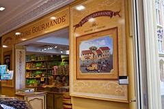shop with Belgian chocolates