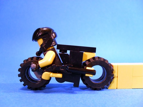 Purist Lego Lightcycle - Yellow