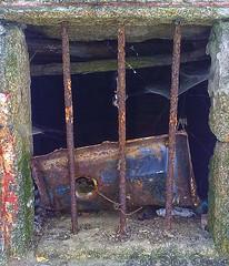 ventanuco (Luis Diaz Devesa) Tags: espaa window neglect spain bars europa web oxido galicia galiza pontevedra abandono ogrove telaraa barrotes ventanuco elgrove luisdiazdevesa