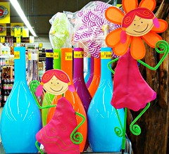 Various knick-knacks (Deejay Bafaroy) Tags: pink blue orange green yellow store doll dolls purple turquoise violet lila gelb figure vase grn blau figures knickknacks figur vases puppe figuren puppen violett knickknack trkis vasen flowerdoll kinkerlitzchen seeninastore blumenpppchen