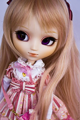 Creamy Cream (dedicated to TheRedPineapple) (Rinoninha) Tags: pink cute outfit doll cream rosa chips lolita wig kawaii pullip traje maretti mueca coolcat peluca angelicpretty leeke obitsu leekeworld rewigged rechipped tiphona