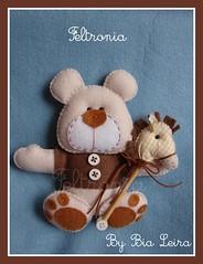 Ursinho e seu pocot... (Feltronia by Bia Leira) Tags: feltro decorao urso chaveiro cavalinhodepau feltronia ursobegeemarrom