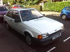 1988 Ford Escort Popular (Applemeister) Tags: white freg fordescortpopular 3doorliftback f512rmd allenofromford