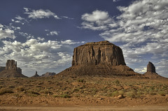 Monument Valley (robbar74) Tags: monumentvalley navajotribalpark utah arizona navajonationreservation highway163 statiuniti sky clouds cielo nuvole rocce