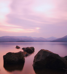 Aurora Rocks.. (lordoye) Tags: longexposure scotland aurora lochlomond gloaming sigma1020mm neutraldensityfilter nd110 millarochybay eos7d