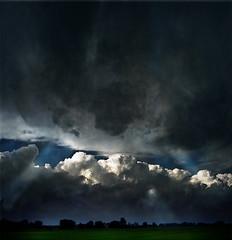 ... high in the sky that darkens ... (UBU ♛) Tags: blue kodak blu blues bleu blunotte blureale ©ubu blutristezza unamusicaintesta landscapeinblues bluubu luciombreepiccolicristalli