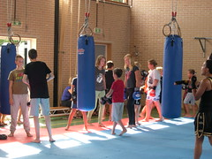 "zomerspelen 2013 karate clinic • <a style=""font-size:0.8em;"" href=""http://www.flickr.com/photos/125345099@N08/14220777357/"" target=""_blank"">View on Flickr</a>"