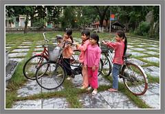 Tre em trong khu chua Thay (HQN) Tags: kids asia vietnam bicycles hanoi chuathay
