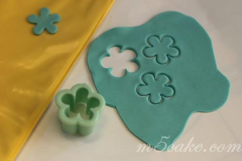 Luau cupcakes - 15