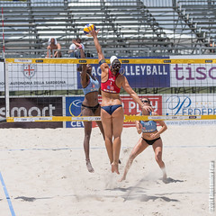 * (P a z u) Tags: girls woman beach girl championship europe european volleyball volley cagliari 2014 poetto cev campionato europeo femminile beachvolleyballeuropeanchampionship