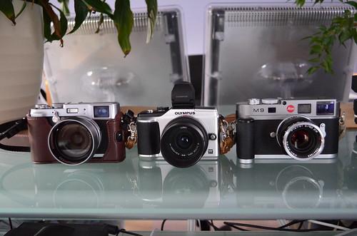 Nikon D5100 18-55mm f/3.5-5.6 leica M9 zeiss 50mm T* Planar f/2 Fuji X100 Olympus E-PL2 20mm f/1.7
