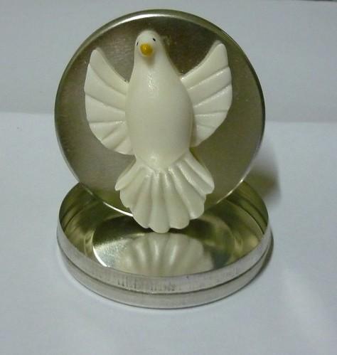 latinha divino espirito santo by galeria magia do biscuit