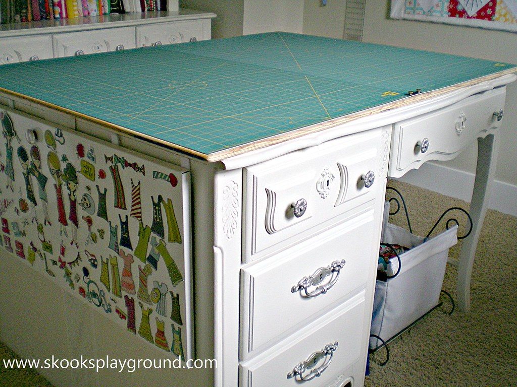 Cutting Table Desk Side