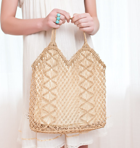 Vintage 1970s Macramé Tote Bag Purse in Honey Wheat (1)