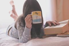 175/365 today i woke up alice (Honey Pie!) Tags: blue azul book heart days honey mug coração romantic livro 365 cardigan caneca alicedisse 365days romântica 365daysproject 365dias cardigã 365daysofhoney