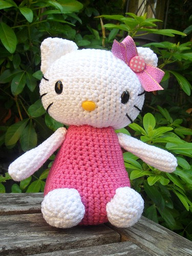 Mini Hello Kitty Bruja Amigurumi, Tutorial | Hello kitty amigurumi,  Patrones amigurumi, Ganchillo amigurumi | 500x375