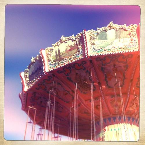Carusel swing