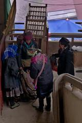 Black Hmong Women Wheelin n Dealin, Sa Pa Market (чãvìnkωhỉtз) Tags: lumix raw market streetphotography vietnam sapa hmong laocai blackhmong ethnicminority 2011 việtnam lx5 sapatown làocai dântộc hmông hmôngđen gavinkwhite