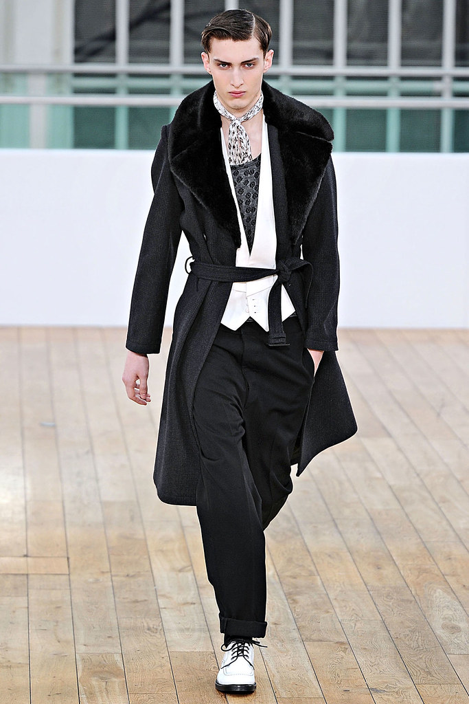 Charlie France3438_FW11_London_Topman Design(VOGUEcom)