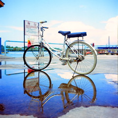 (alemershad™) Tags: reflection 120 6x6 tlr film water bicycle analog mediumformat iso100 fuji antique slide squareformat malaysia fujifilm mf analogue manual yashica ait selangor crabisland twinlensreflex antik yashicamat124g filem velvia100f klasik basikal pulauketam alem freshfilm selangormalaysia yashinon80mm vescan alemershad canonscan9000f pekanpulauketam