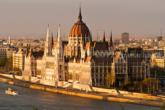 Sunset Light over the Parliament (Beum Gallery) Tags: architecture river europe hungary budapest style parliament parlement magyar danube fleuve magyarorszg gothicrevival hongrie  gothicrevivalstyle nogothique  stylearchitectural