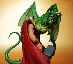 Thor vs Fin Fang Foom (Osvaldo Eaf 2) Tags: macro comics toys fight thor fin marvel fang avengers foom
