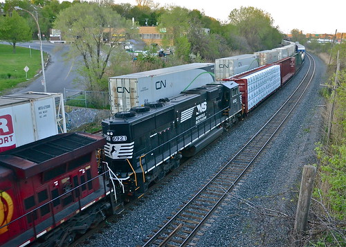 SD60E trailing on CN 393