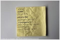 Shopping list | Boodschappenlijstje #307 (Dit is Suzanne) Tags: img8247 18052013 ©ditissuzanne canoneos40d sigma18250mm13563hsm boodschappenlijstje shoppinglist postit fris melk brokken wcpapier boterhamworst chocopasta hamburgersmora bolletjes 2xblauwevloei списокпокупок views50