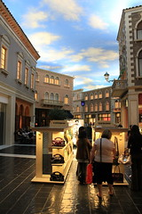 venetian arcade