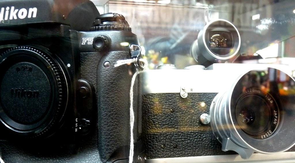 Dailyshoot 365~2011 Nikon Leica