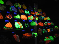 mine sterlinghill willemite franklinite zincite fluorescentrocksFranklinite Fluorescence