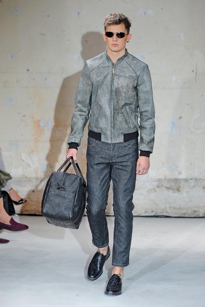 SS12 Paris Christian Lacroix007_Jack O'Hara(Homme Model)