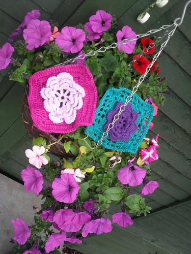 Pretty Flower Squares.......>