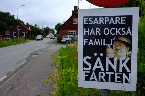 Nu är det skyltat i Esarp, med självaste esarparen!