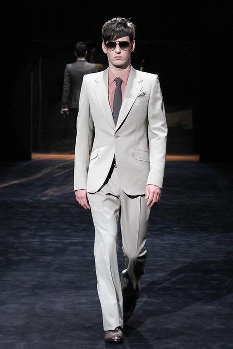 FW11 GUCCI Charity Fashion Show003_Darius Gudinskas(Fashionsnap)