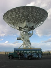 Bus_with_new_satellite_dish_on_roof_001