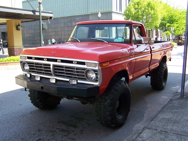 red ford 4x4 1977 f250