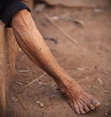 Li Village Weavers - Hainan (Michael Steverson) Tags: china tattoo canon island foot women village mark traditional leg elderly ii chinadigitaltimes 5d miao weaving hainan