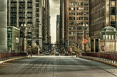 Road to Downtown II (piechotka photography) Tags: usa chicago tower illinois strasse kultur technik architektur material verkehr glas skyscaper hochhaus bruecke herkunft nordamerika