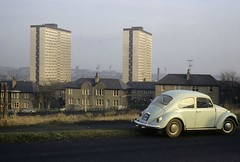 Law Crescent (Dundee City Archives) Tags: olddundeephotos lawcrescent dundee highriseflats housing multis old photos vwbeetle