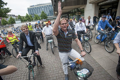 Burkhard Jung starts the Bike Tour