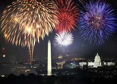 4th of July in Washington DC (HolidayInnDC) Tags: usa washingtondc washington districtofcolumbia unitedstates fireworks 4thofjuly independenceday hotelsinwashingtondc holidayinndc