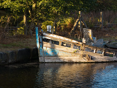 Fiddler's Ferry yacht haven 01 oct 16 (Shaun the grime lover) Tags: fiddlers ferry yacht haven canal sunken cuerdley widnes cheshire warrington boat derelict water