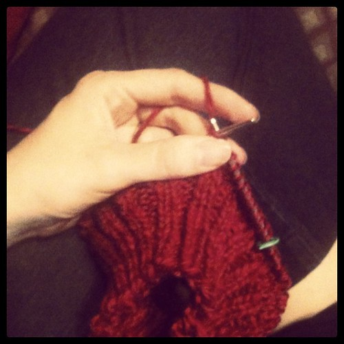 Knitting yet another soaker for Fi.
