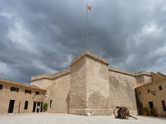 At Castell de Sant Carles - Daytrip to Palma de Mallorca, Balearic Islands, Spain (Loeffle) Tags: spain fort espana mallorca palma spanien daytrip balearen castell festung palmademallorca balearicislands coachtrip tagesausflug busausflug 052014 castelldesantcarles festungsantcarles fortsantcarles