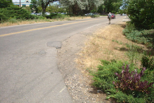 Photo - Iris Avenue Missing Sidewalk Link  (Planning/Design)
